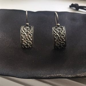 Silpada oxidized floral scroll earrings